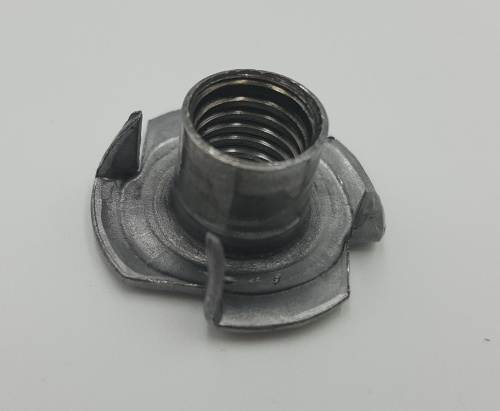 T-Nut with Four Prongs / for Wood / Bright M4, M5, M6, M8, M10